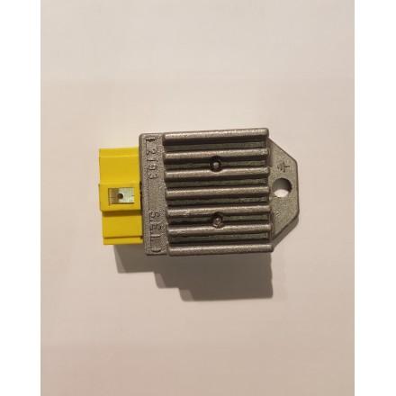 Regolatore di corrente con equilibratore e intermittenza 6+6W Beta RR 50 2010/2014